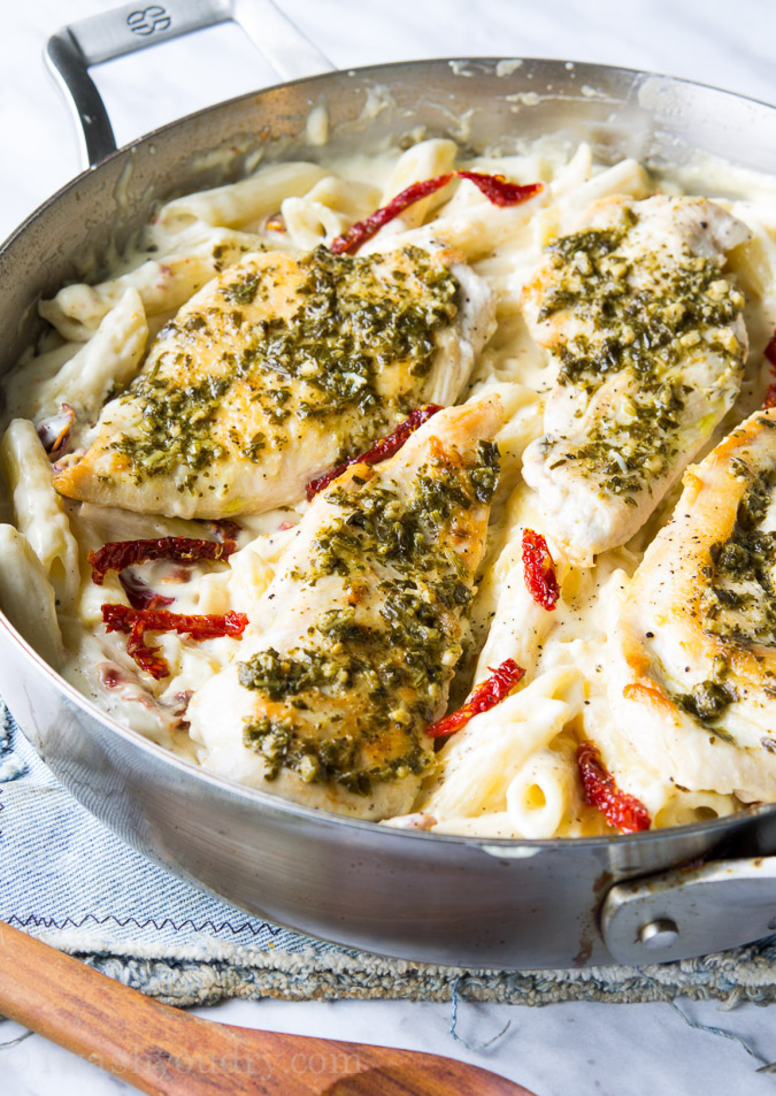 Basil Pesto Chicken with Alfredo Penne and Sun Dried Tomatoes Recipe ...