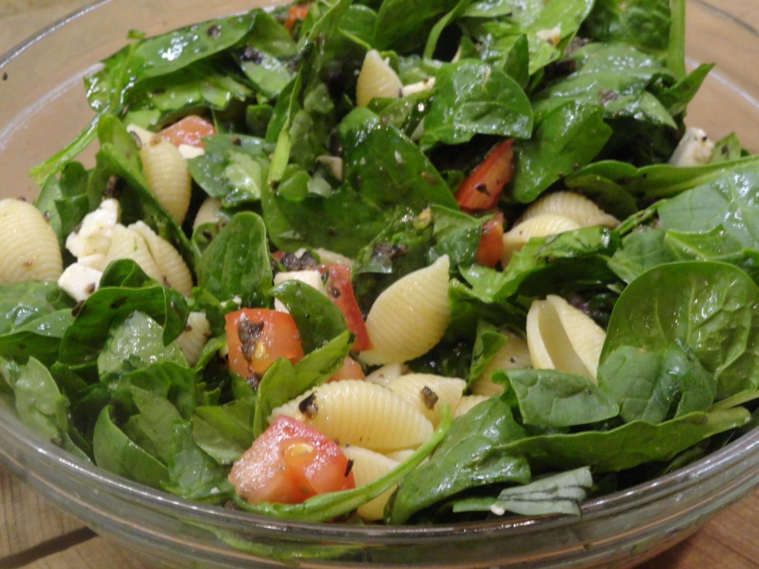 Caprese Spinach Pasta salad