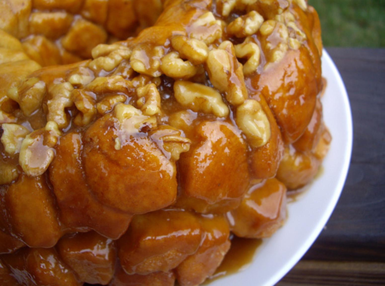 Overnight Pumpkin Spice Monkey Bread Recipe