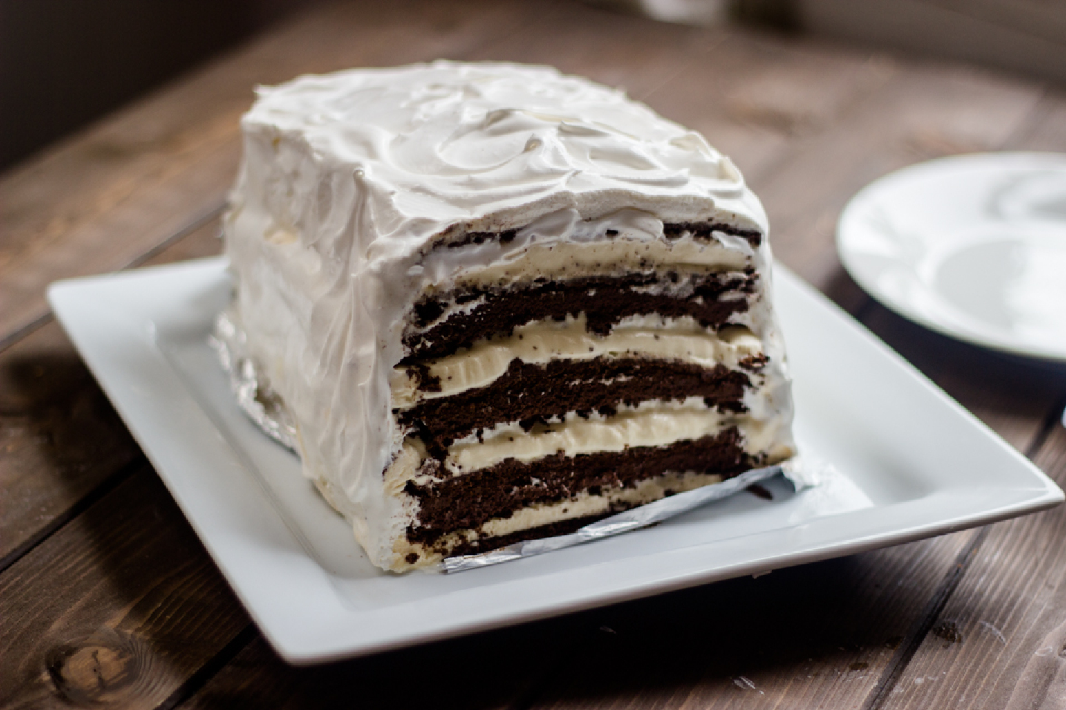 Easy Chocolate Vanilla Ice Cream Cake with ice cream ...