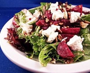 Beet Salad With Goat Cheese and Walnuts Recipe