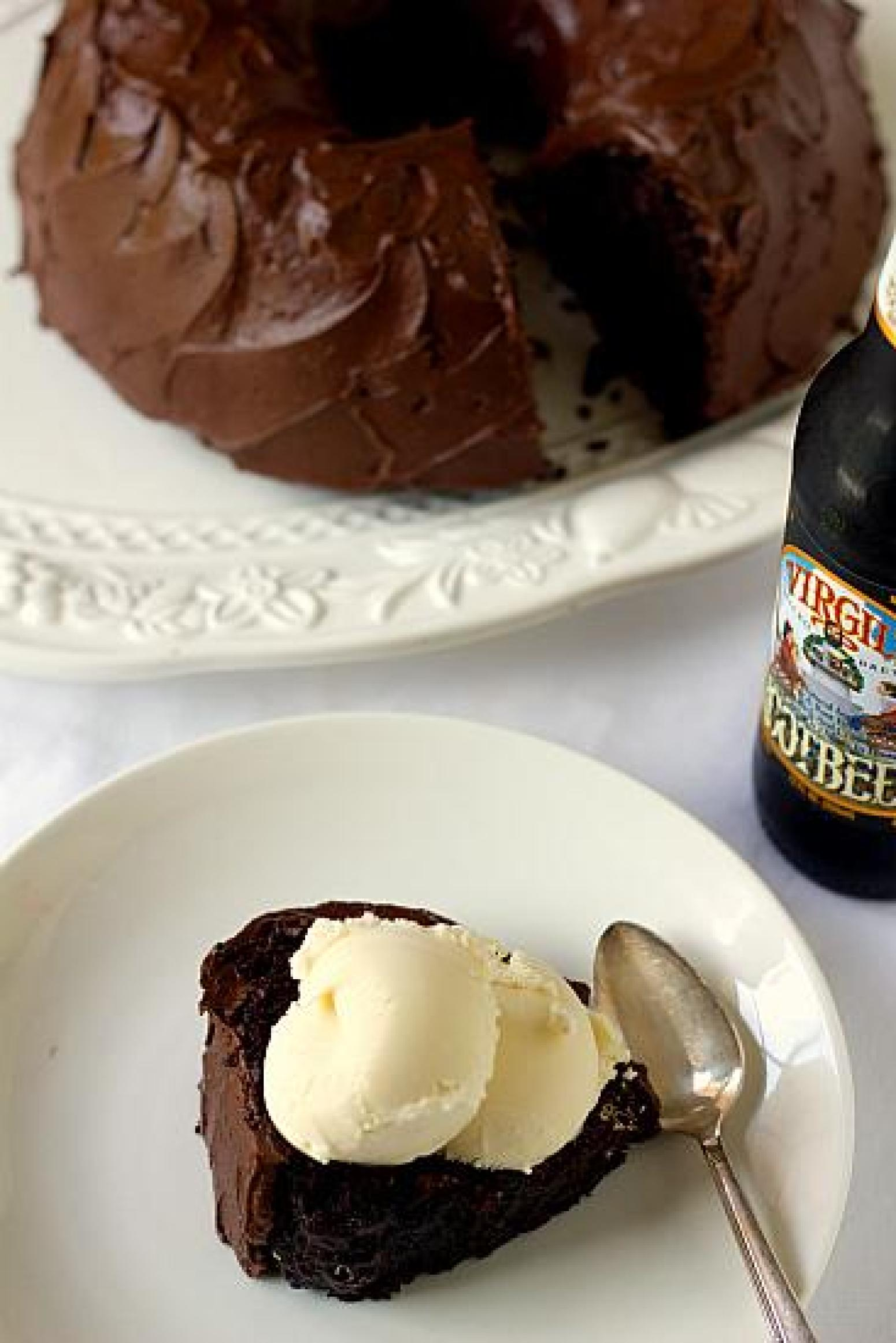 Root Beer Float Cake Recipe 9 | Just A Pinch Recipes