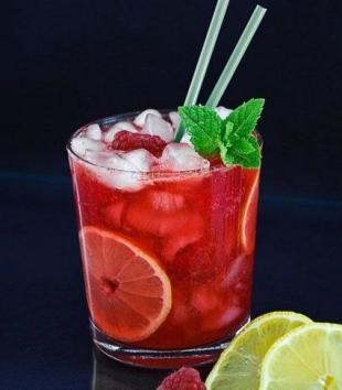 Champagne Raspberry Lemonade