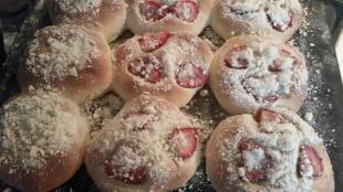 Yummy Strawberry Buns Recipe