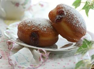 Raspberry Jam-Filled Doughnuts Recipe