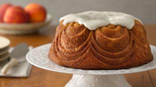 One-Bowl Peaches And Vanilla Bean Bundt Cake