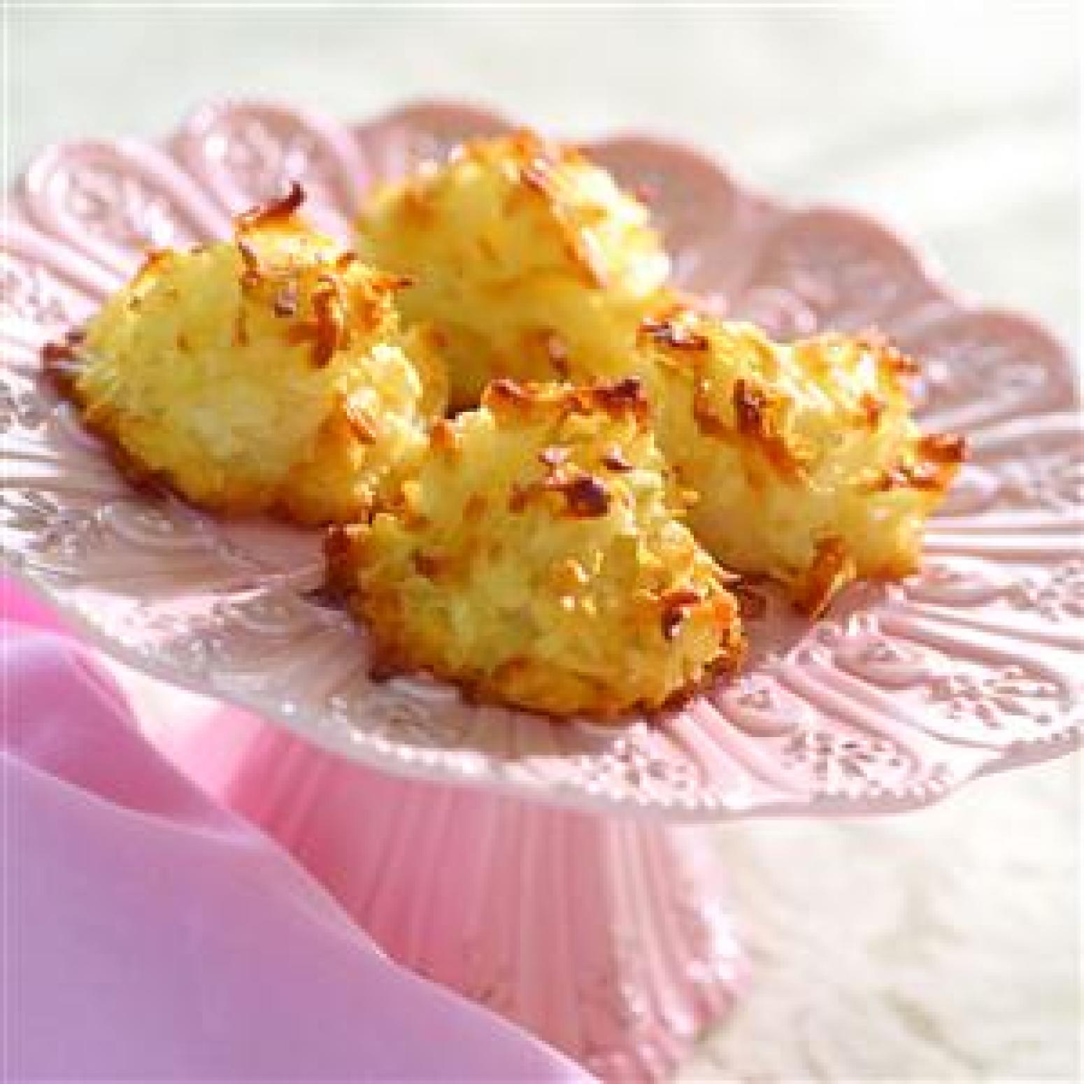 Coconut Macaroons (made With Moist, Sweetened Coconut ...