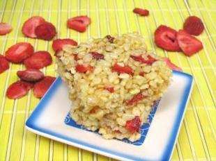 Strawberry Lemonade Rice Krispies Treats Recipe