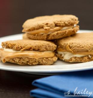 WChocolate Peanut Butter S'mores Sandwich Cookies Recipe