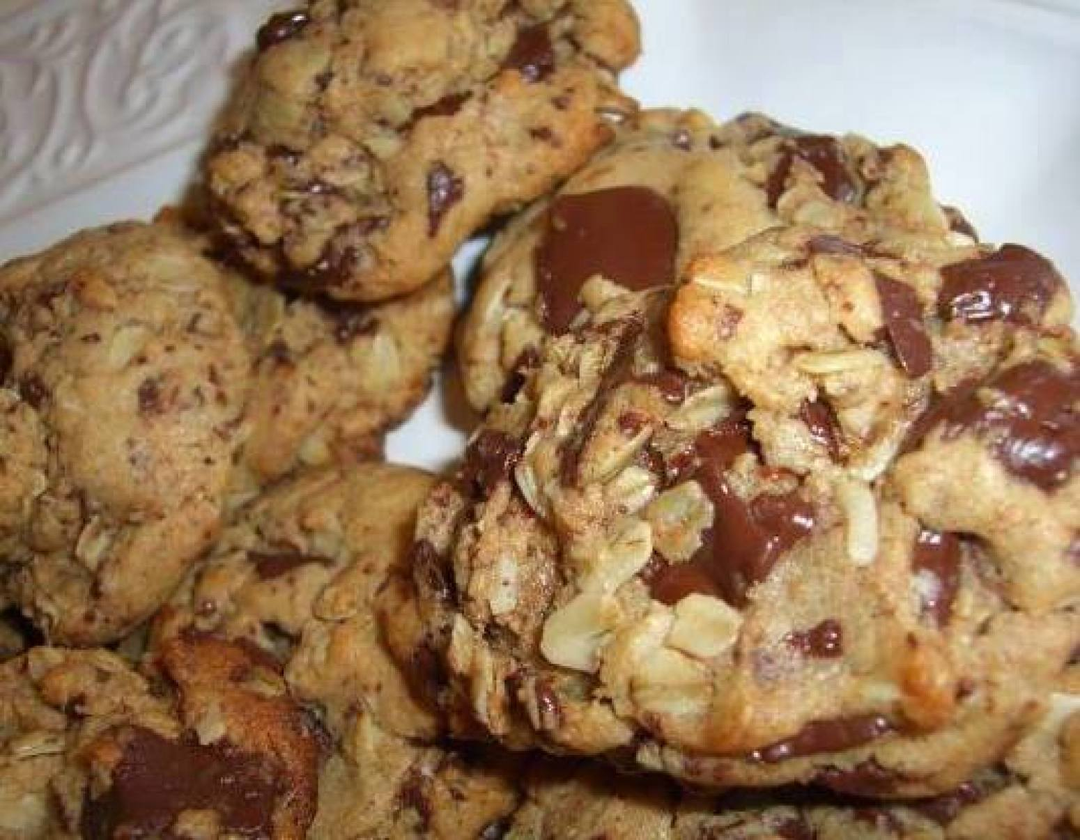 Peanut Butter Oatmeal Chocolate Chunk Cookies Recipe 5 | Just A Pinch ...