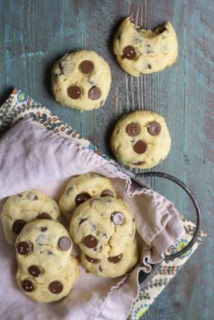 Chocolate Chip Almond Cookies Recipe