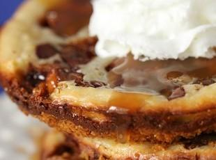 Snickers Caramel Cheesecake Cookies Recipe