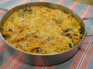 Tri-Color Spinach And Artichoke Mac And Cheese