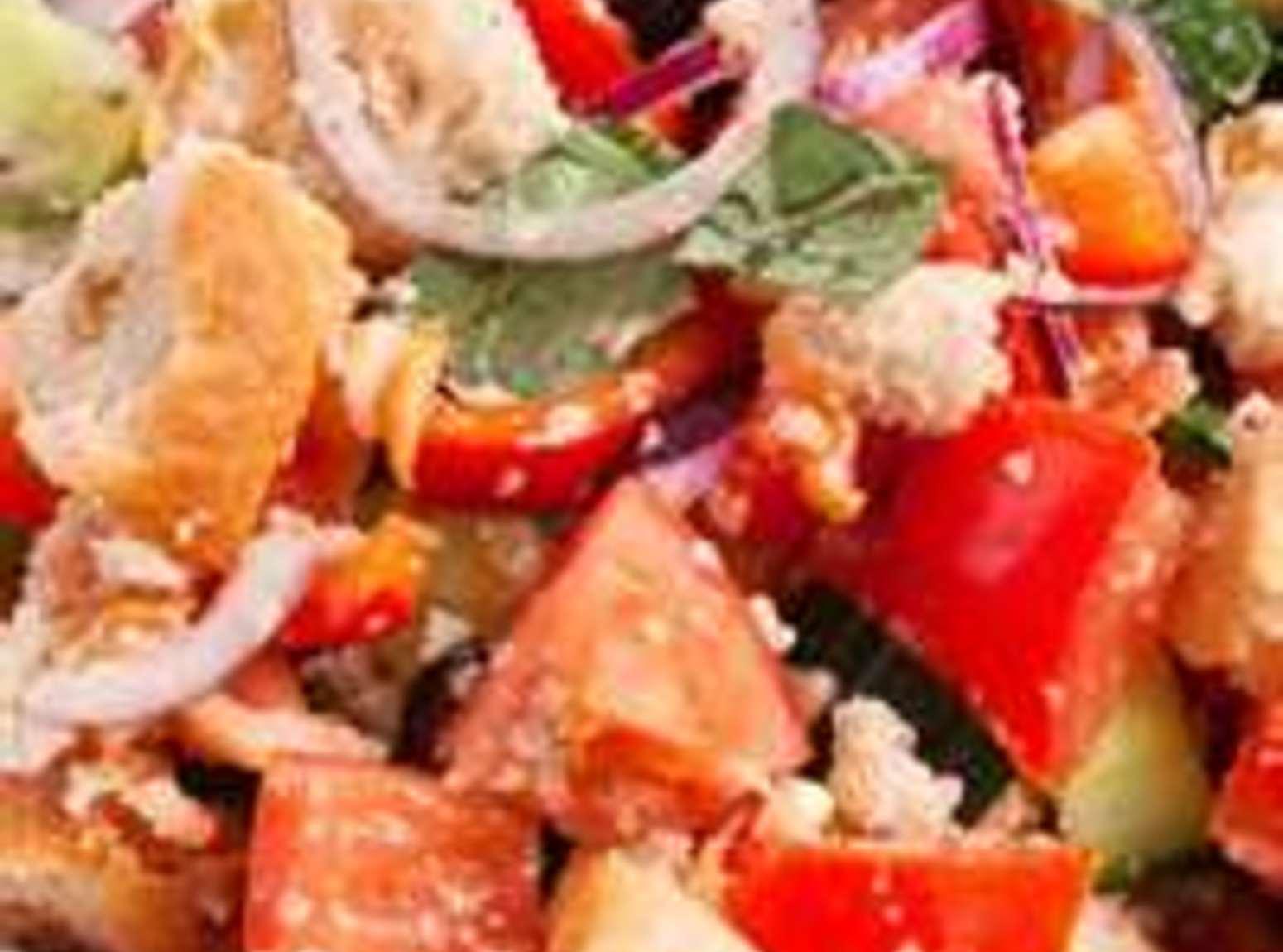 Panzanella Salad [Italian Tomato and Bread Salad] Recipe   Just A ...