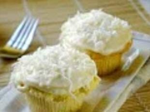 Coconut Cup Cakes with Coconut Cream Cheese Recipe