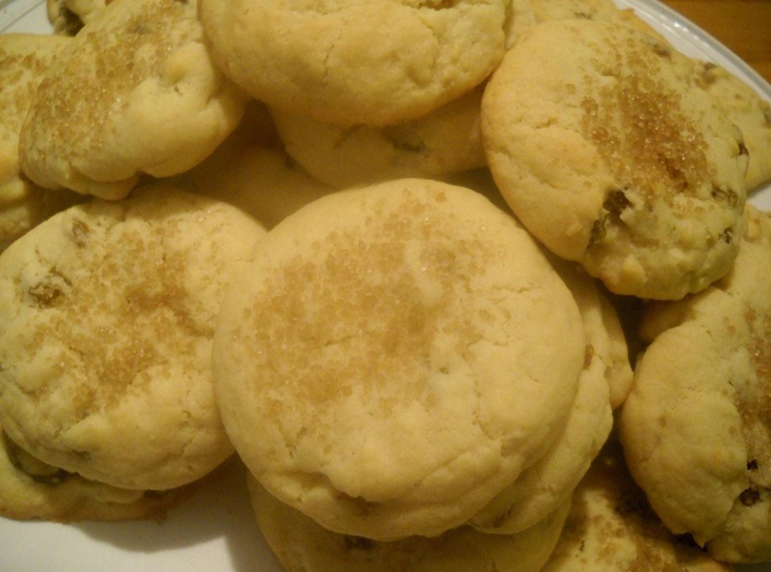 Golden Raisin Butter Cookies Recipe