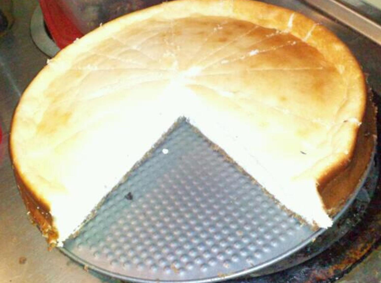 Vanilla Protein Cheesecake w/ Flax Berry Crust Recipe