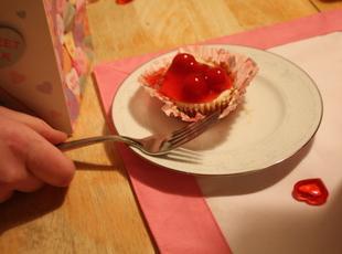 Mini-Cherry Cheesecakes