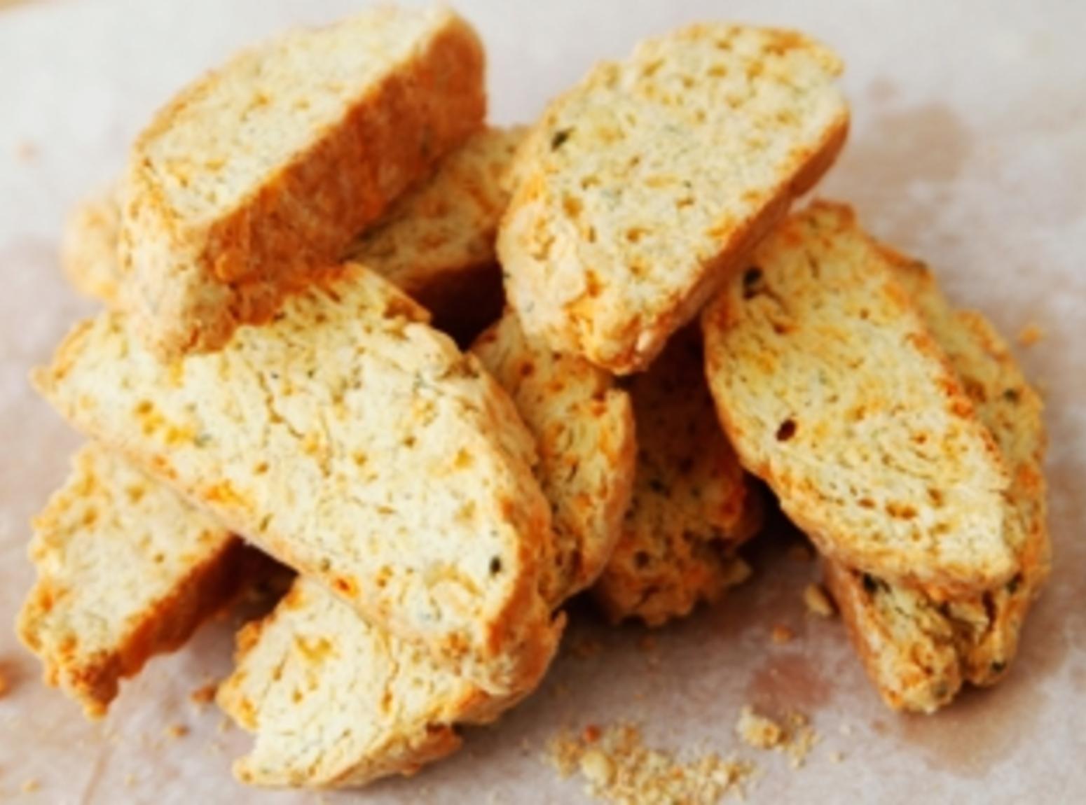 Cheesy Garlic Biscotti Recipe
