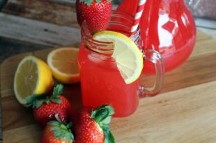 Strawberry Lemonade with NO sugar added Recipe