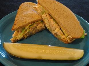 sweet and spicy tuna salad sandwich! Recipe